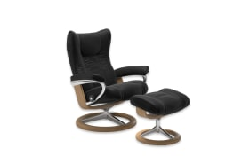 Ruhesessel mit Hocker Wing in Paloma black, Gestell Signature Eiche