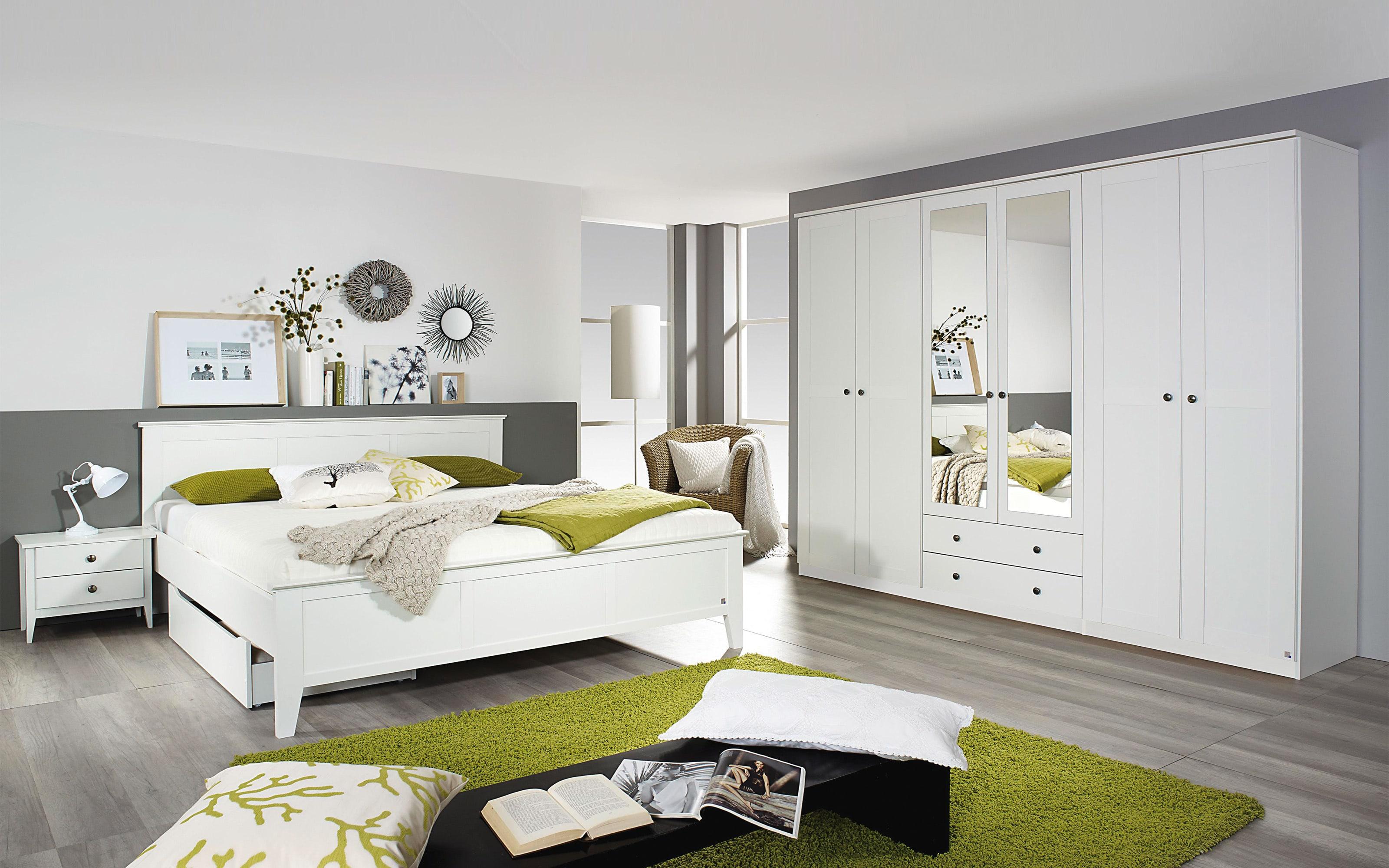 Schlafzimmer Rosenheim in weiß, Schrankbreite ca. 271 cm, Liegefläche ca. 180 x 200 cm