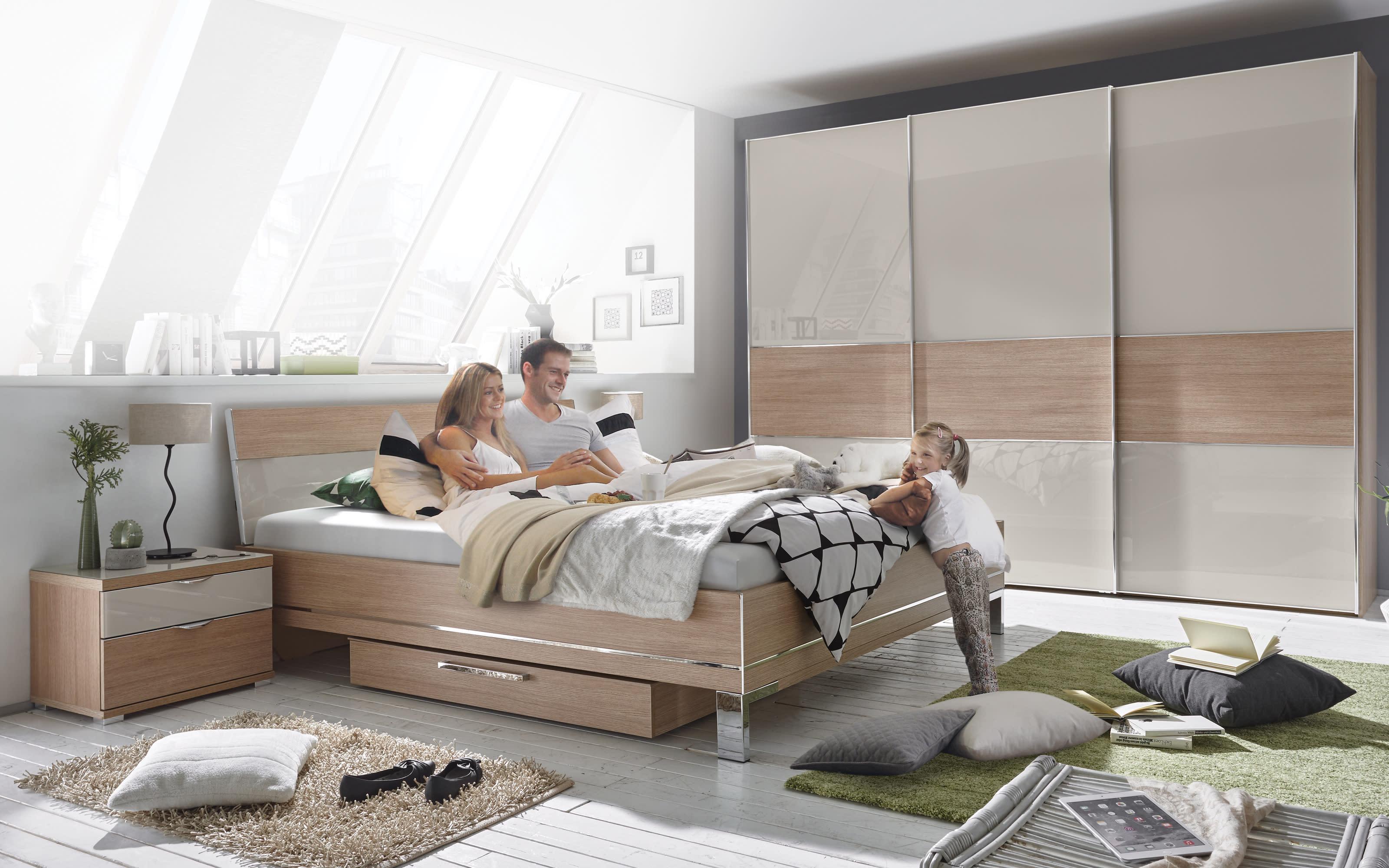 Schlafzimmer Studioline in Eiche natur-Nachbildung/sand, Schrankbreite ca. 280 cm, Liegefläche ca. 180 x 200 cm