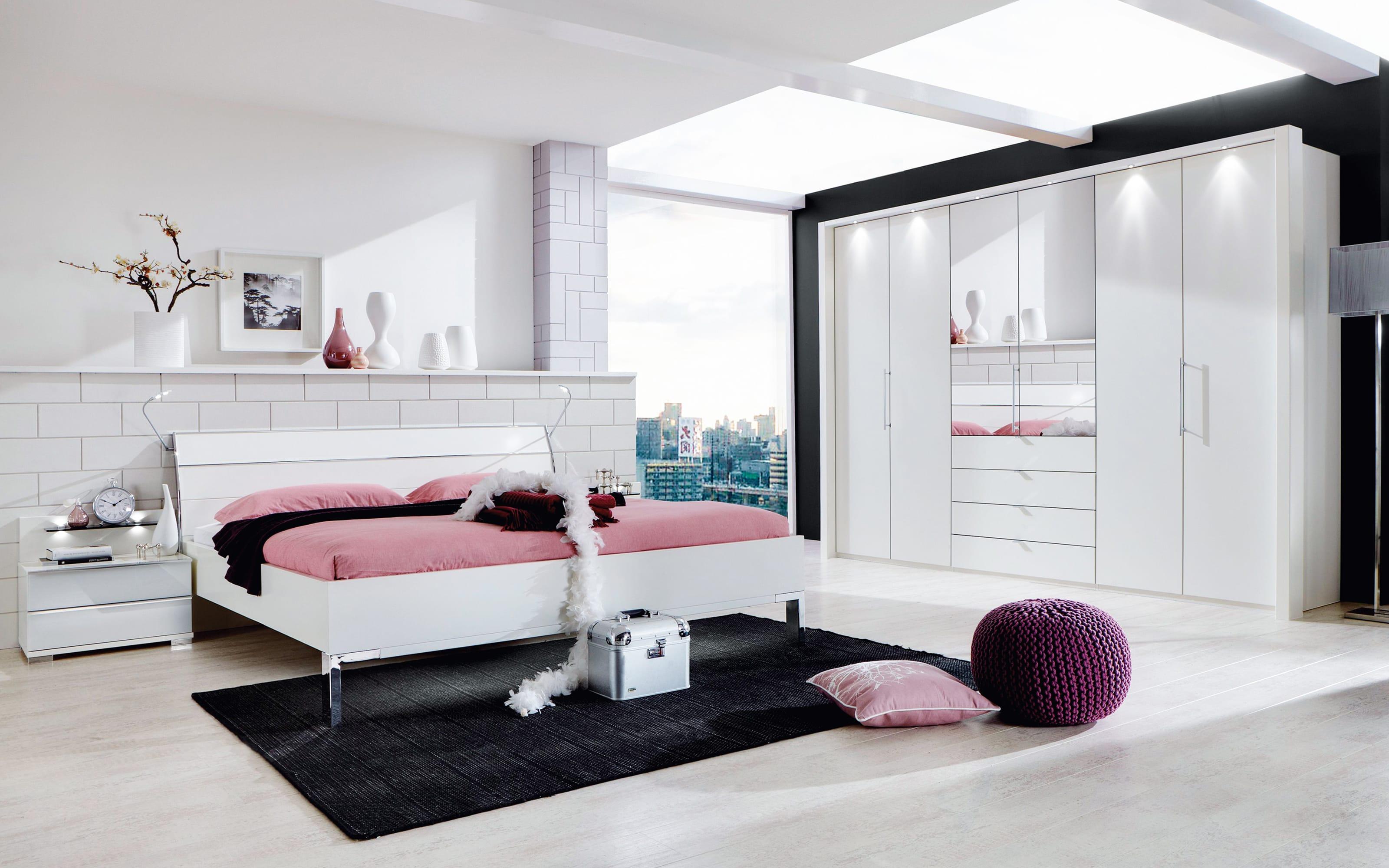 Schlafzimmer Loft in alpinweiß, Schrankbreite ca. 300 cm, Liegefläche ca. 180 x 200 cm