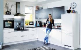 Einbauküche Fashion, Lack matt alpinweiss, inklusive Elektrogeräte, inklusive Neff-Geschirrspüler