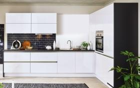 Einbauküche Cristall in Hochglanz weiß, Siemens Elektrogeräte inklusive