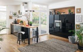 Einbauküche Cristall in schwarz Hochglanz, Bauknecht Elektrogeräte inklusive