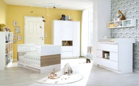 Babyzimmer Malie in kristallweiß/Santhia-Eiche-Optik