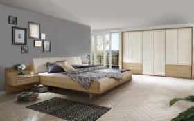 Schlafzimmer 4035 in Eiche teilmassiv, Liegefläche ca. 200 x 200 cm, Schrank ca. 216 cm hoch